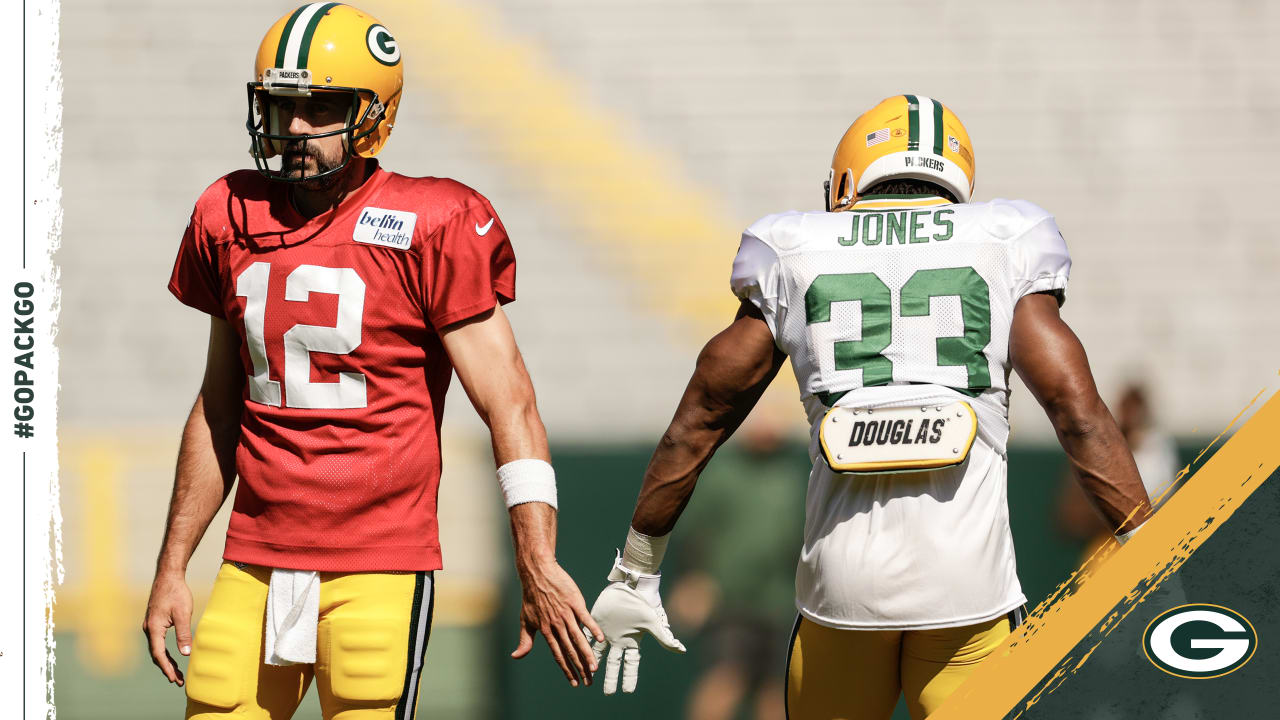 Aaron Jones Saw Aaron Rodgers Dropping Dimes Throughout Camp