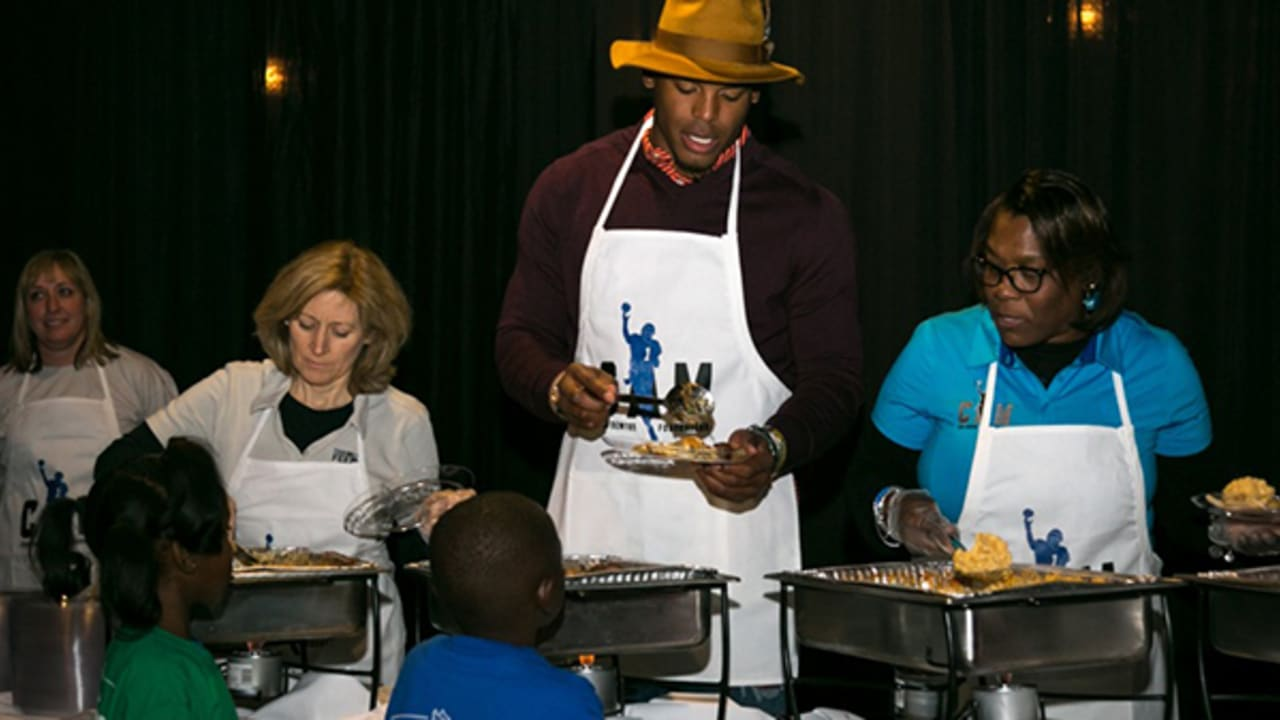 ff00ac9e Cam Newton hosts fourth annual Thanksgiving Jam