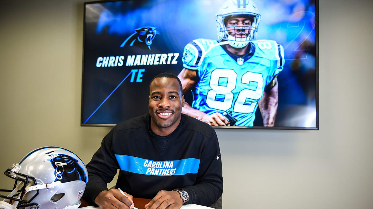 buy popular cfe08 d03fb Chris Manhertz signs two-year contract