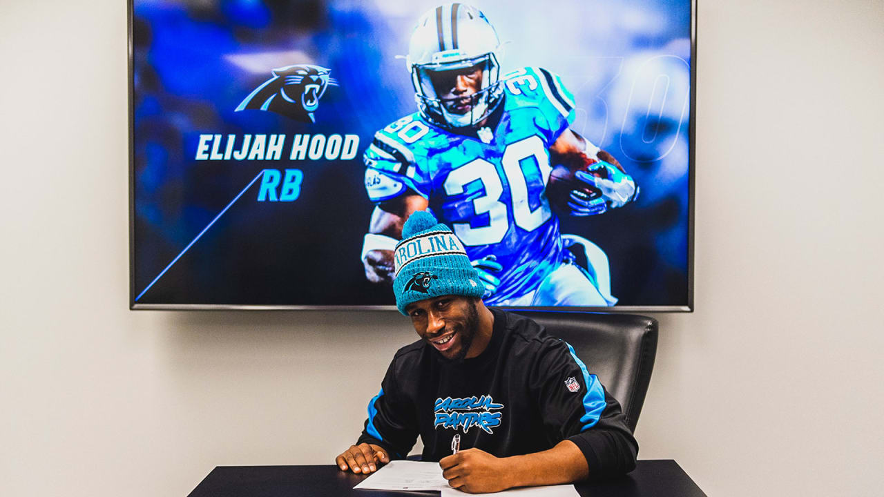 brand new 85970 368ec Elijah Hood signs one-year contract