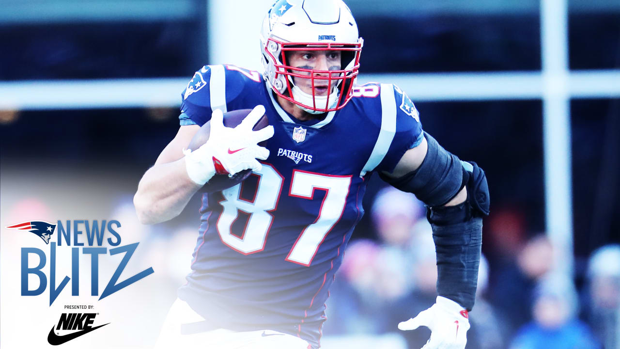530e0f151 News Blitz 1 11  Gronk looks to turn the page