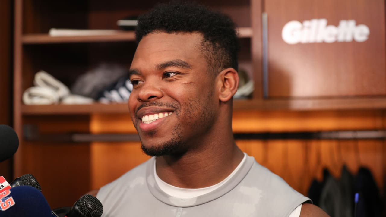 Damien Harris Surprises Mom With New Car In Heartwarming Video