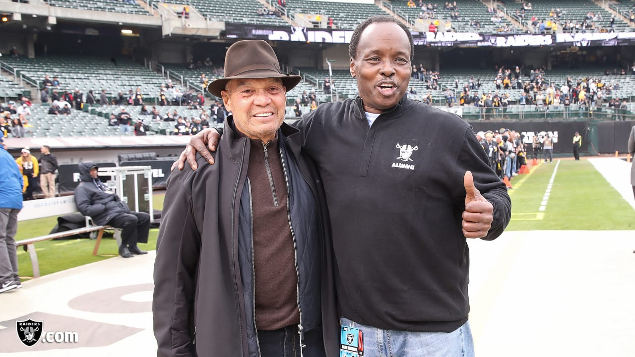 375789ad0b15 Reggie Jackson lights Torch in honor of and tribute to Al Davis