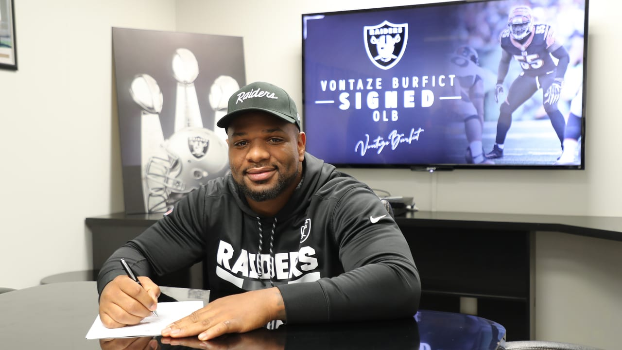 new concept 97ac6 67f33 Raiders sign linebacker Vontaze Burfict