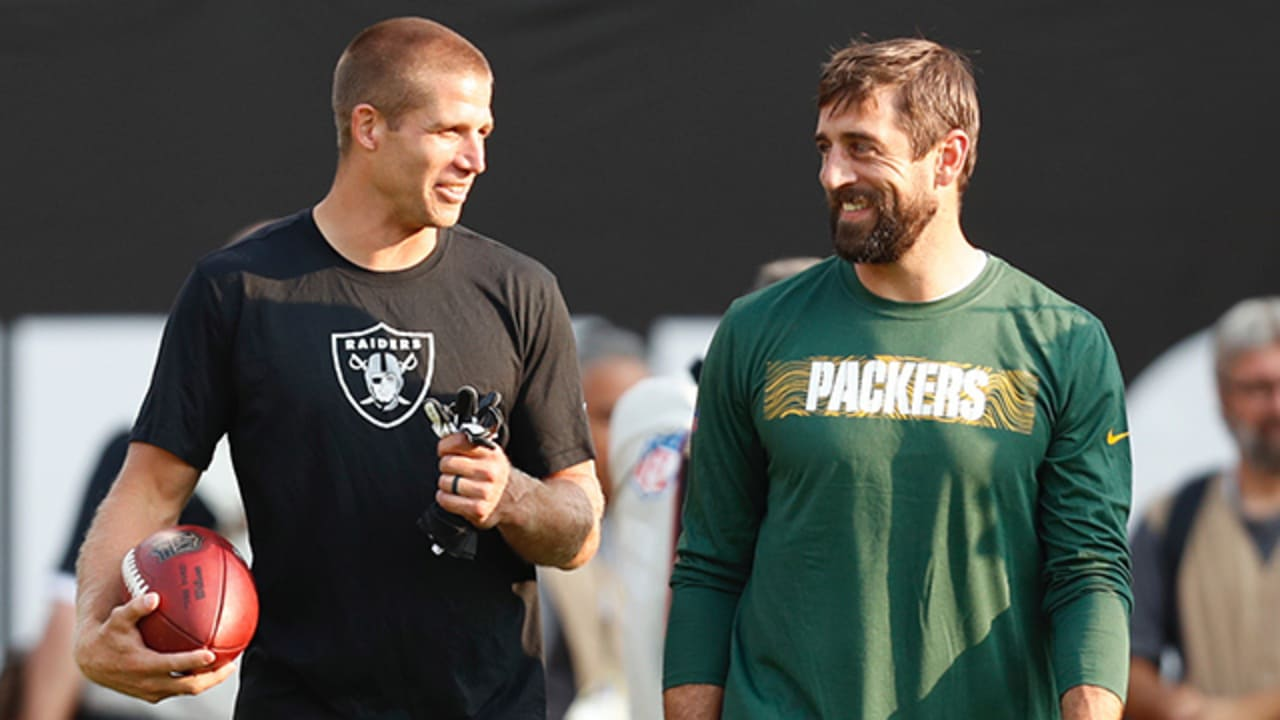 Packers Qb Aaron Rodgers Throws To Wr Jordy Nelson Before Preseason