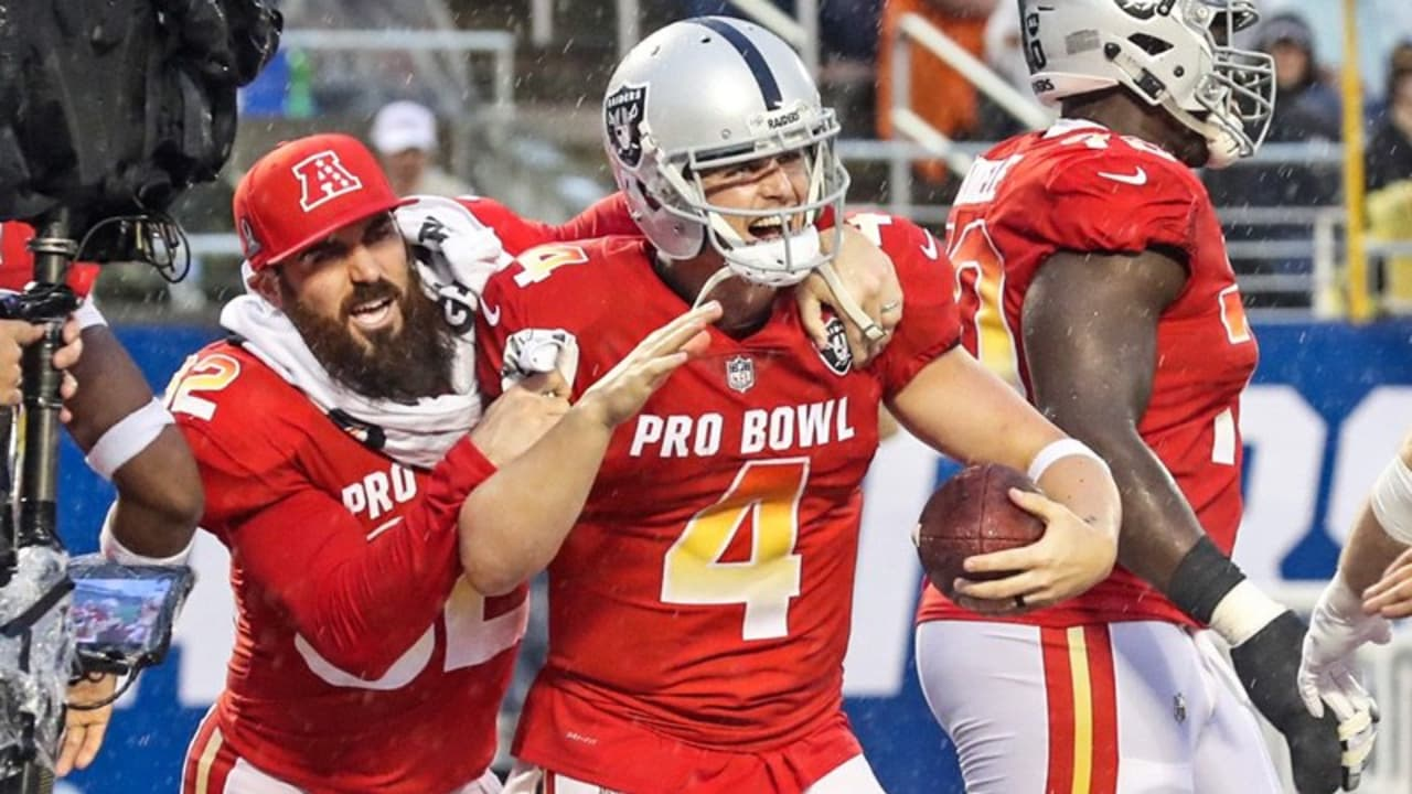 separation shoes d5523 6fa42 Highlights From Derek Carr's Week At The Pro Bowl