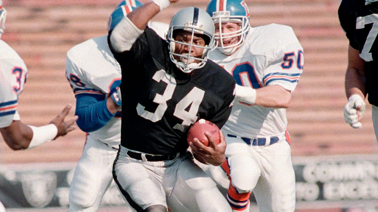 Flashback Friday Los Angeles Raiders Running Back Bo Jackson Vs