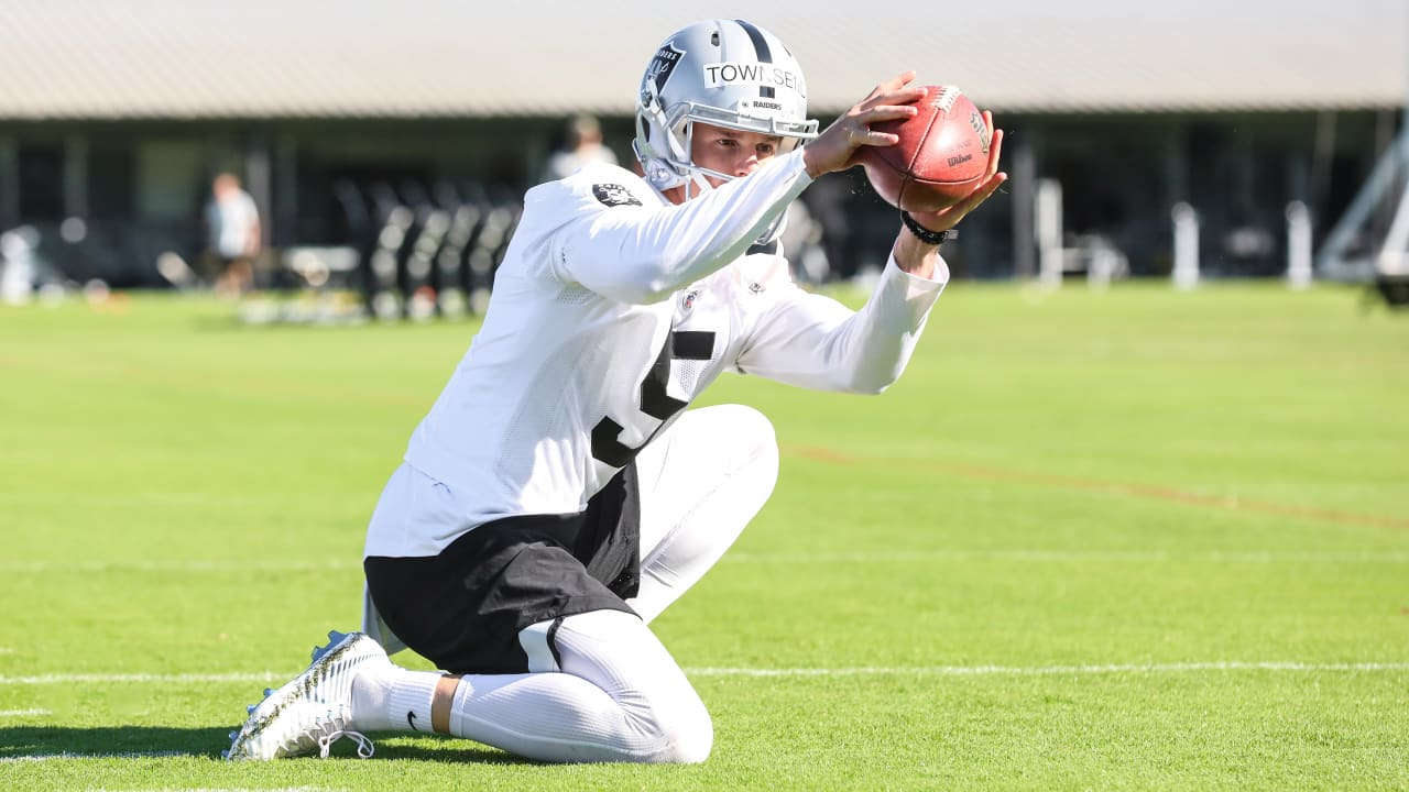 6296ac9b3e5 How Johnny Townsend is still competing as the only punter on the Raiders'  roster