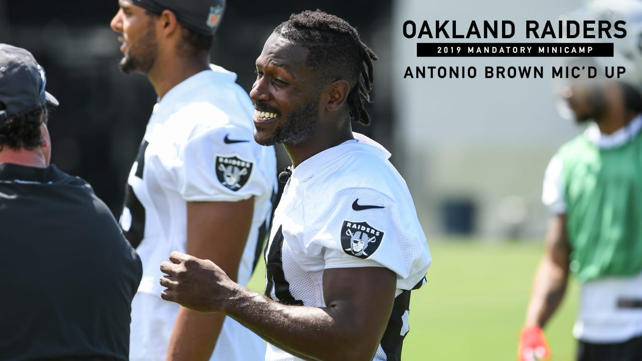 sports shoes 6976c 108c2 Antonio Brown makes donation to former college team, Central ...