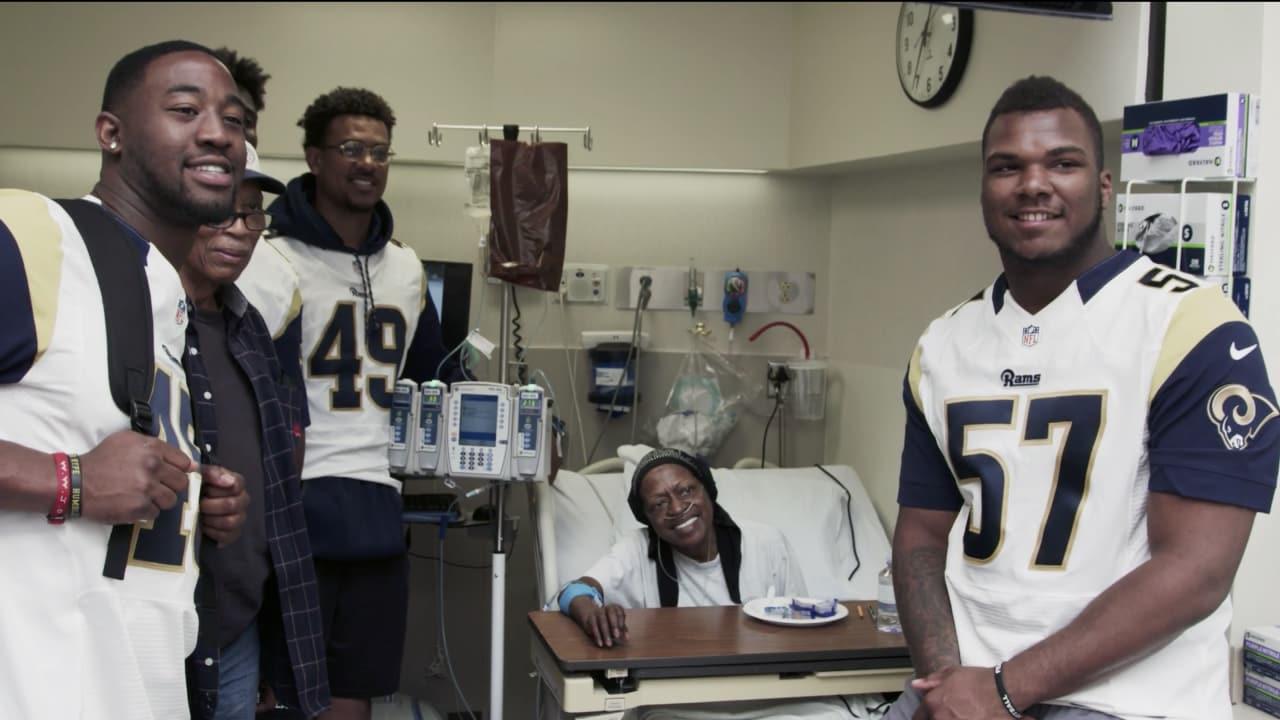 Rams Rookies Visit Patients at Cedars-Sinai