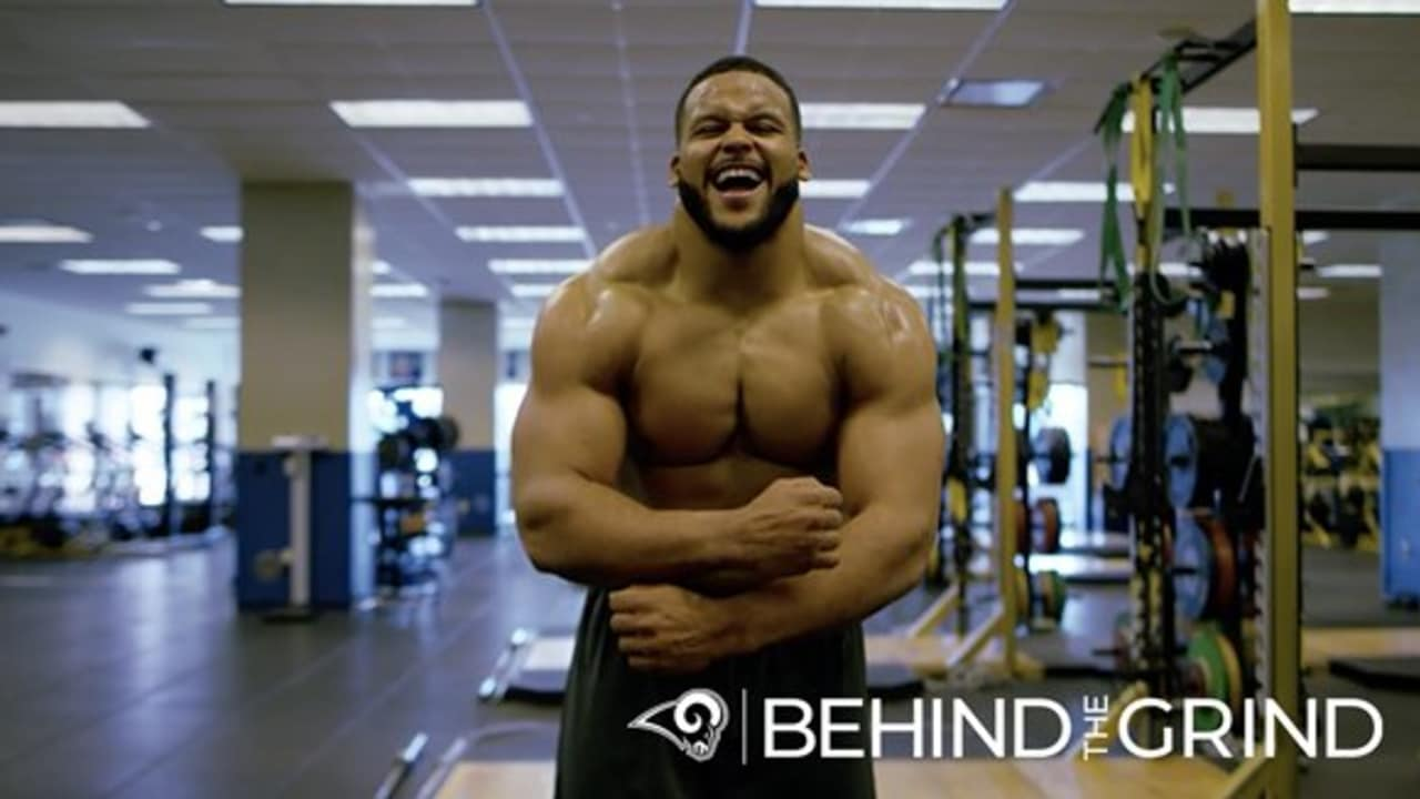 Behind the Grind: Aaron Donald's Offseason in Pittsburgh