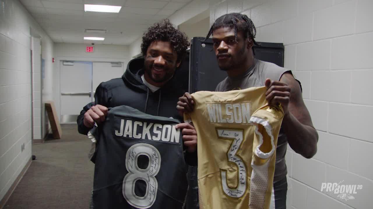 Lamar Jackson, Russell Wilson Trade Pro Bowl Jerseys