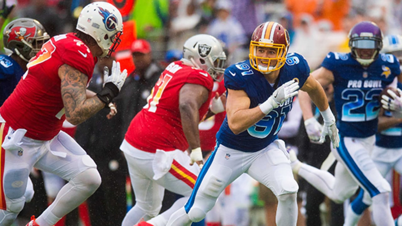 reputable site 4adc5 24c49 PHOTOS: Ryan Kerrigan At The 2018 Pro Bowl