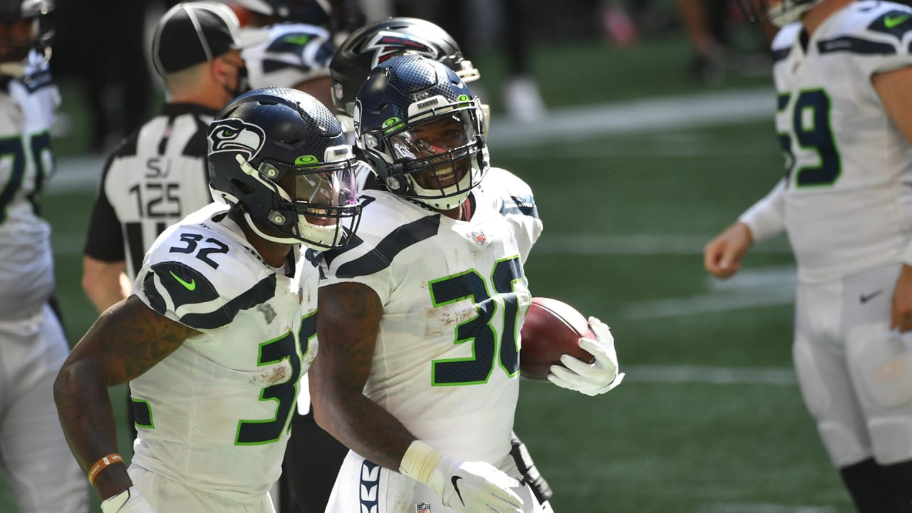Seahawks RB Carlos Hyde rushes for a 1-yard touchdown