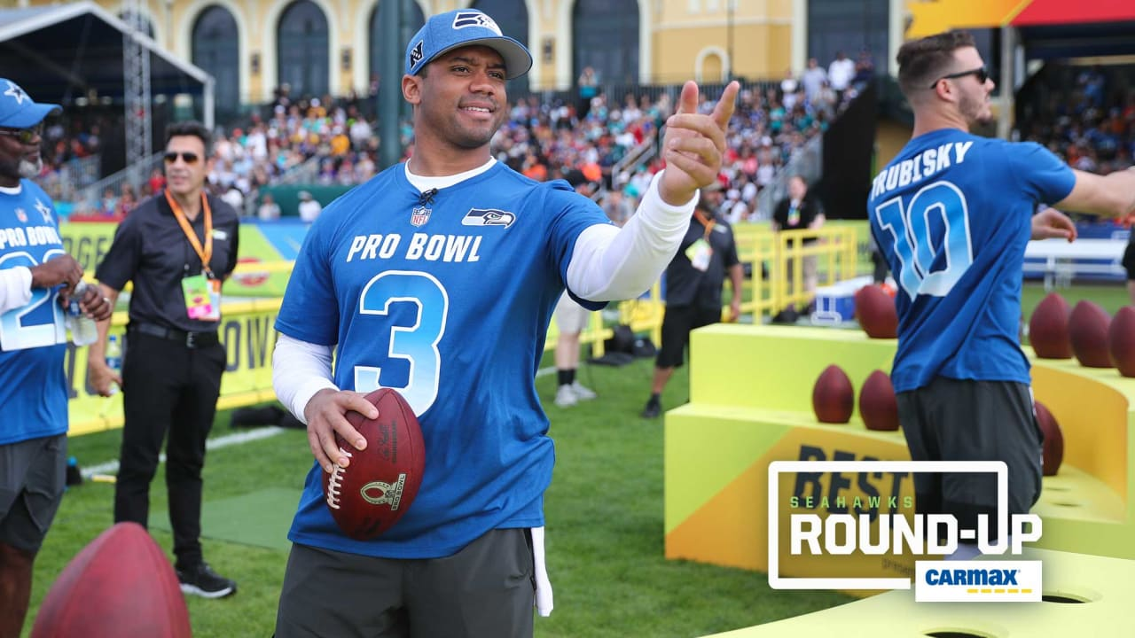 new products 1068e 3f1da Friday Round-Up: Russell Wilson, Bobby Wagner Help Lead NFC ...