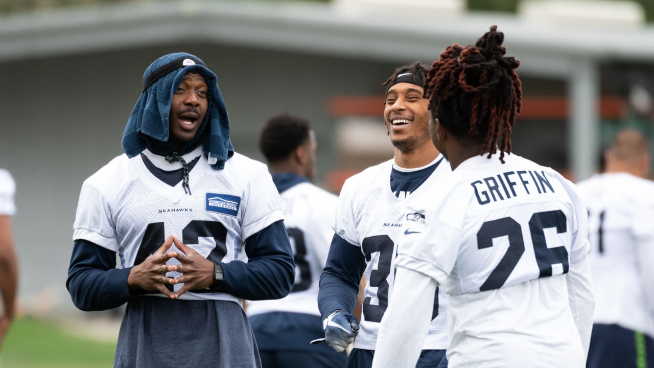 buy popular 6569d 171ba Top 2019 Seahawks Training Camp Storylines: What Will The ...