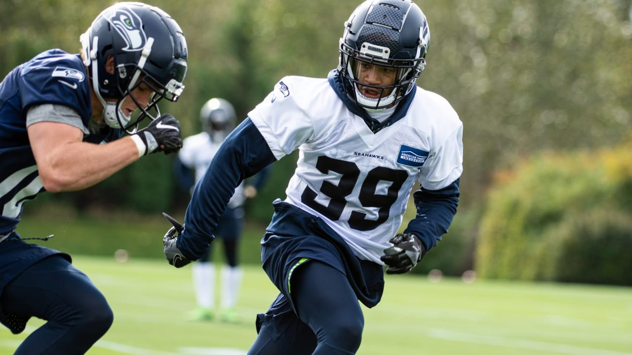 cheap for discount af453 9f8a2 Seahawks Promote CB Kalan Reed From Practice Squad, Waive LB ...
