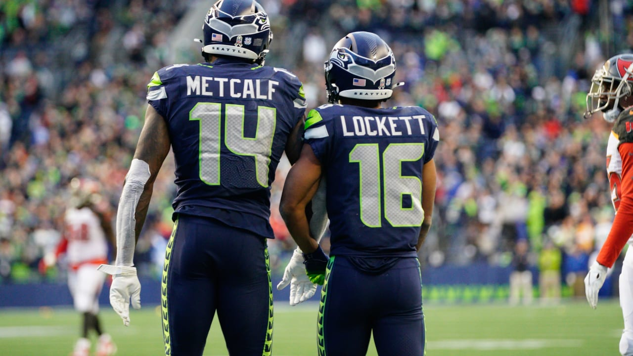 Big Games By Tyler Lockett & DK Metcalf Help Seahawks To 40-34 Win Over Buccaneers