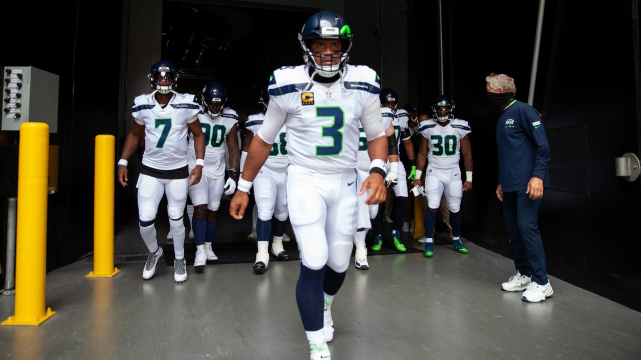 """Seahawks QB Russell Wilson Strives """"To Be The Best in The World To ..."""
