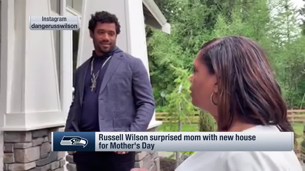 Russell Wilson Surprises His Mom With New House For Mother S Day