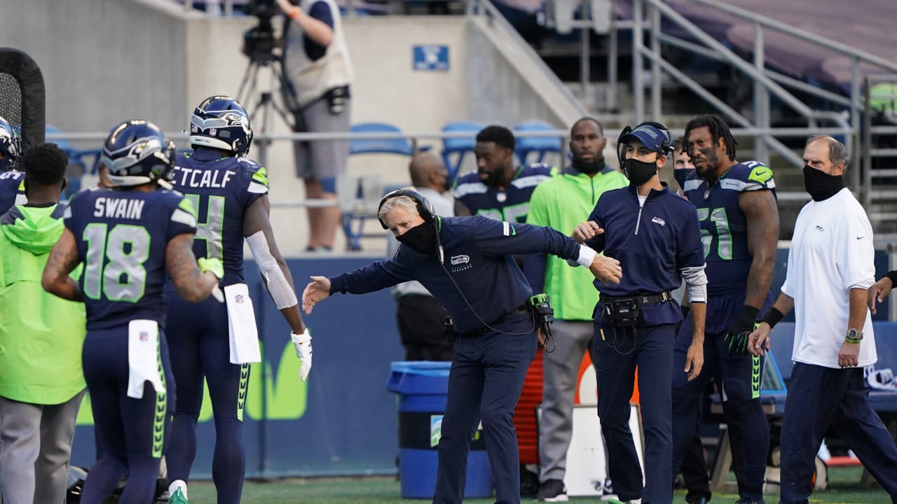 Pete Carroll On Fine For Not Wearing A Mask During Sunday S Game Sometimes You Ve Got To Get Coached Up