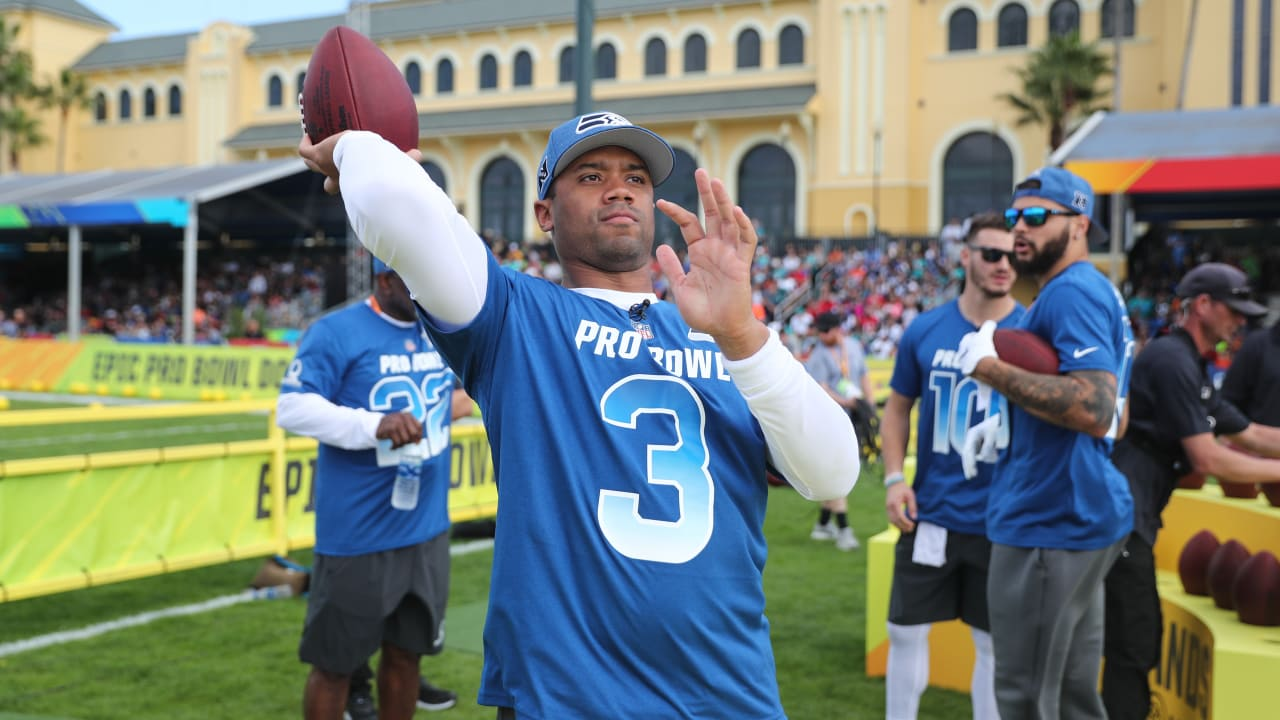 2019 Pro Bowl  NFC s  Precision Passing  Competition 8f9233c9c