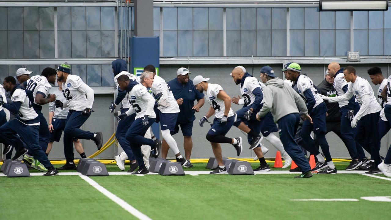 Tuesday Practice Report  Eight Players Do Not Participate For Seahawks f2d986bf0