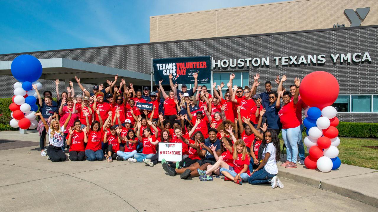 bd6959b131f5 Breakfast  Texans Care Volunteer Day Recap