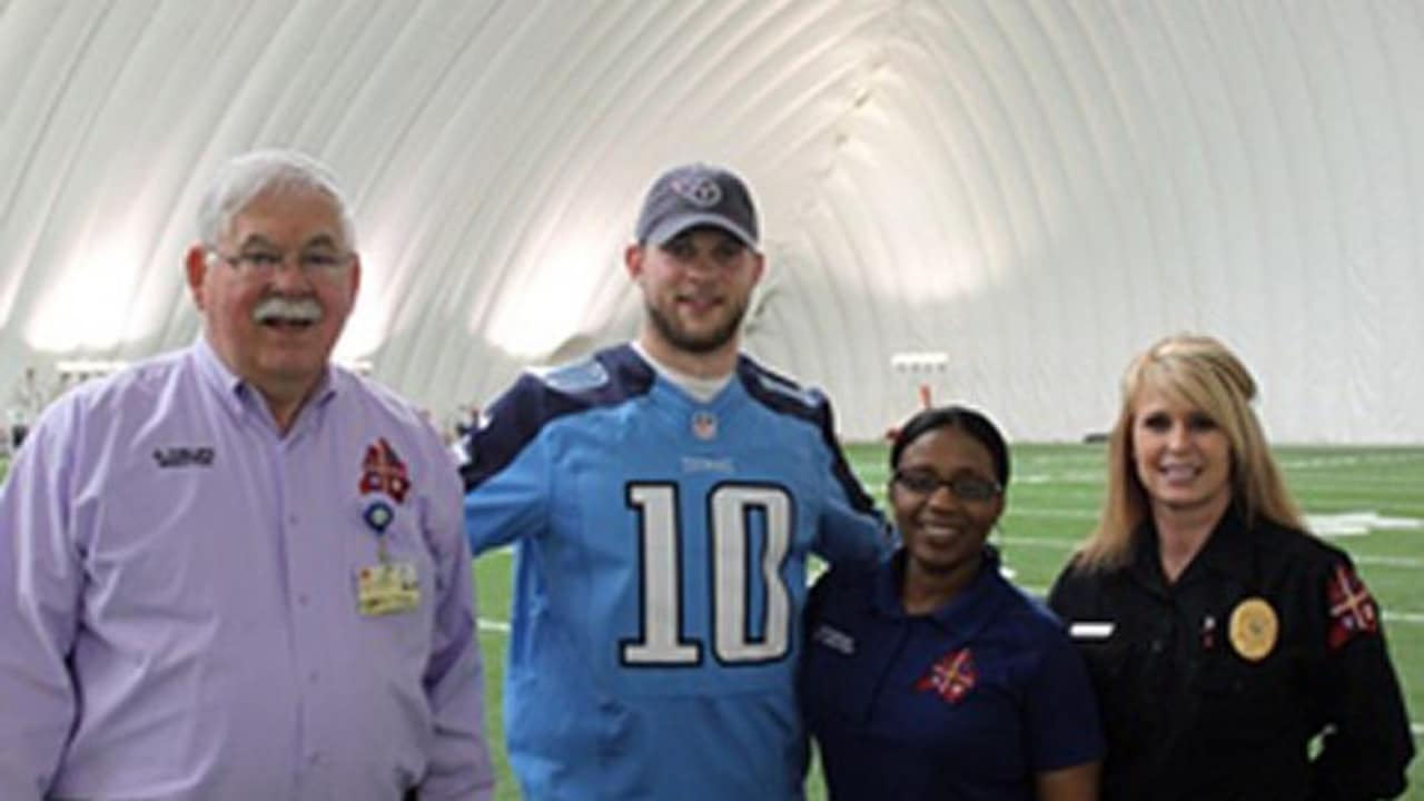 253a8847b35 Jake Locker PSA on Smart 911