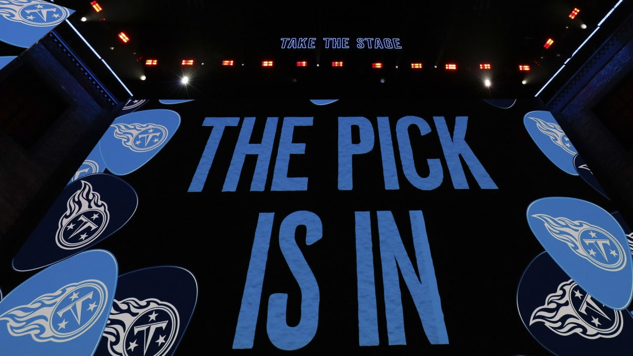 Who Will the Titans Pick? The Latest Tour of the Mock Drafts