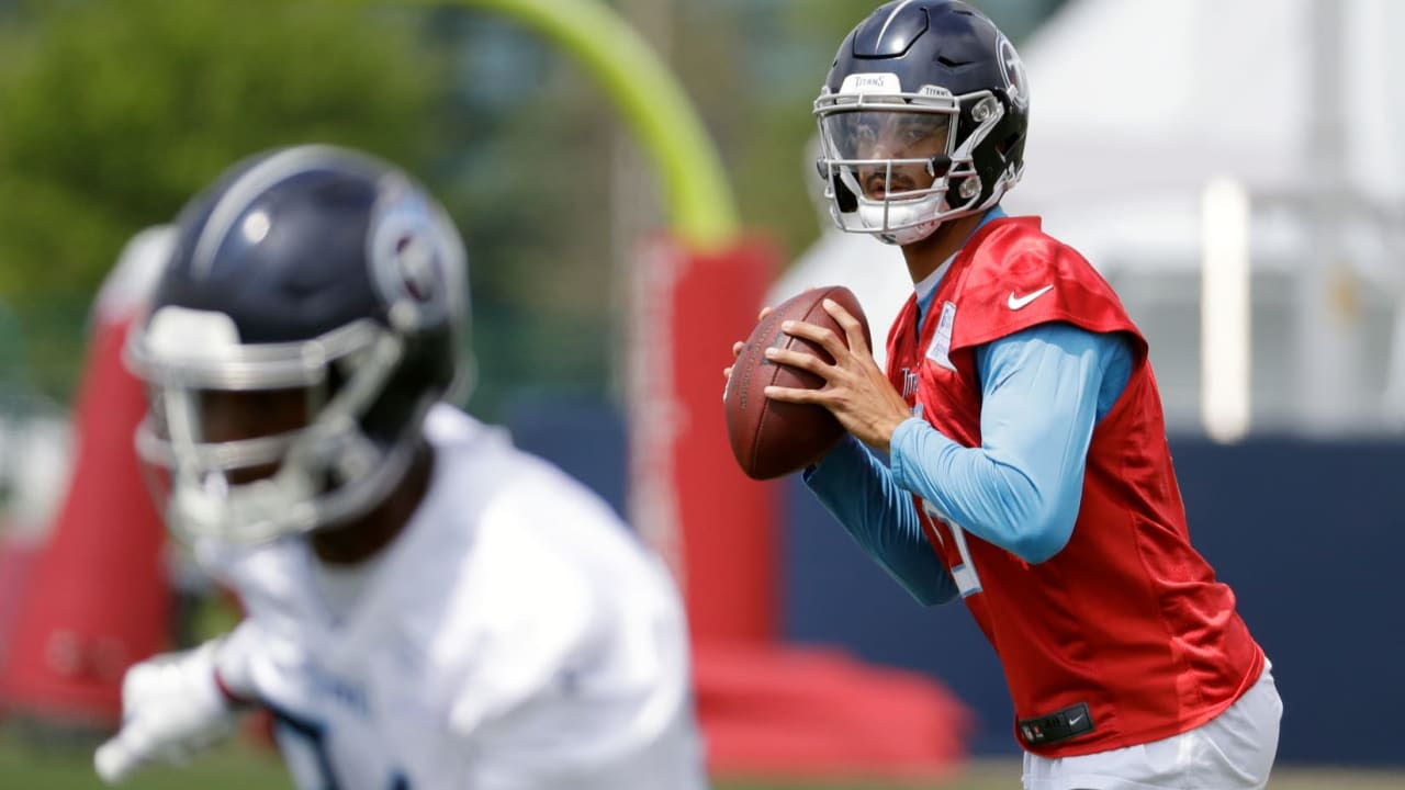 Chemistry Building Continues Today For Titans QB Marcus