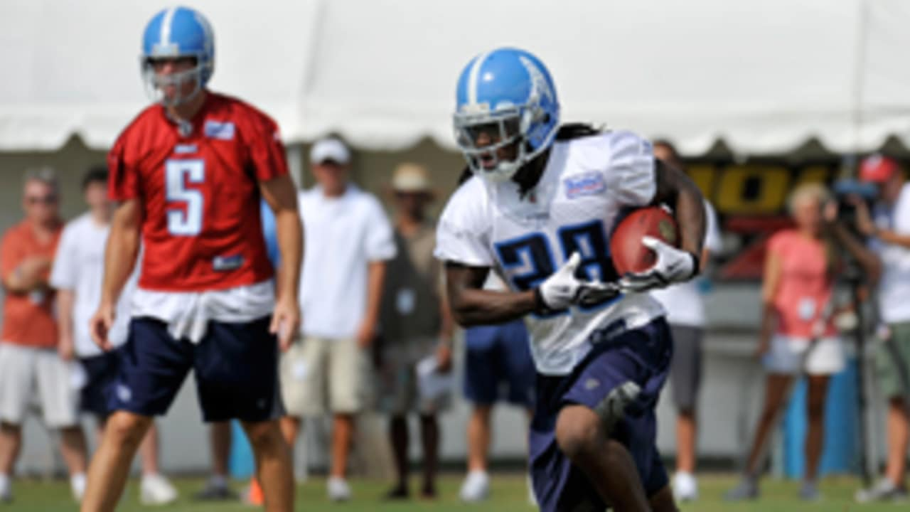 bb084f6a Titans Unveil Oilers Throwback Helmets During Morning Practice