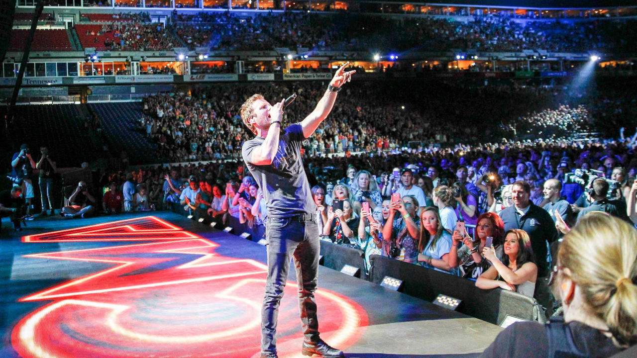 Dierks Bentley and More Than 20 Nashville-Based Acts To Perform at the 2019 NFL Draft