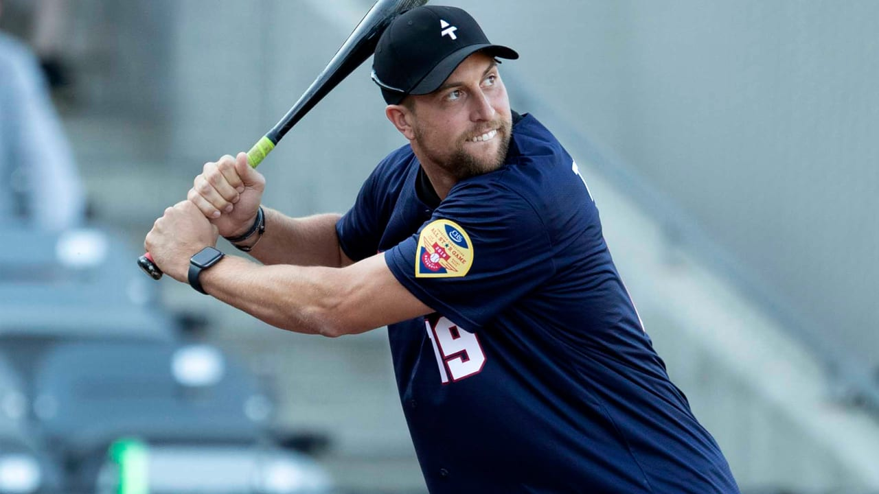 Thielen Hosts Celebrity Softball Game