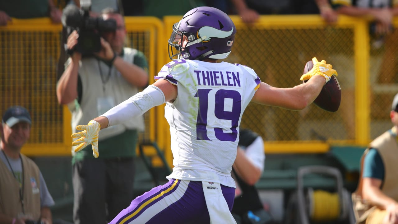 Cousins Hits Thielen For A Late Touchdown c2103d64e
