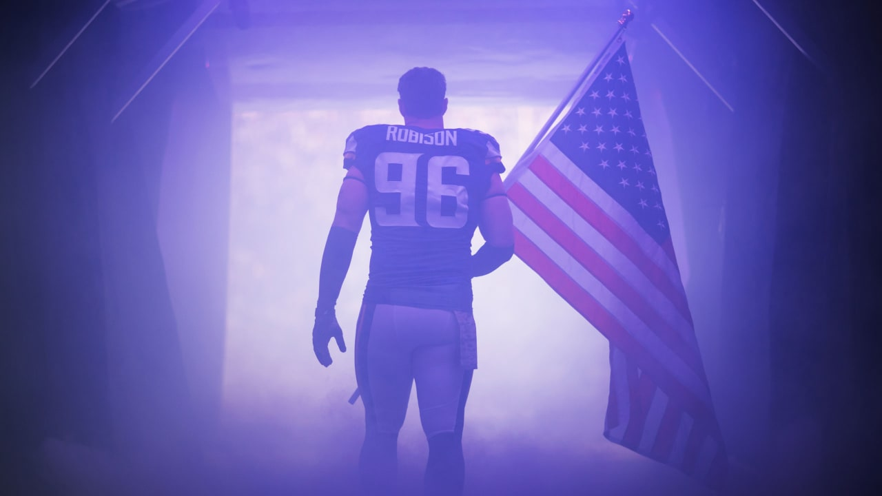 timeless design ab13d e514b Brian Robison Officially Announces Retirement in True B-Rob ...