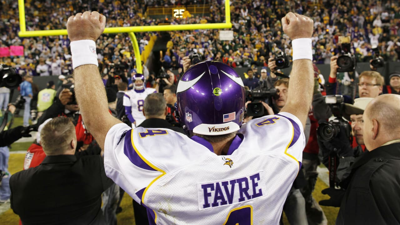 half off 39810 ceaa4 Lunchbreak: Favre's '09 Game Against Packers Tabbed 'Best ...