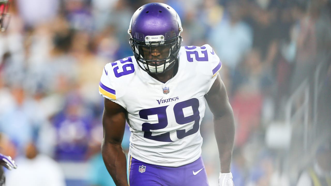 best loved fdf0c 8cb8f NOTEBOOK: Xavier Rhodes Says Vikings D Must Stop 'Domino Effect'