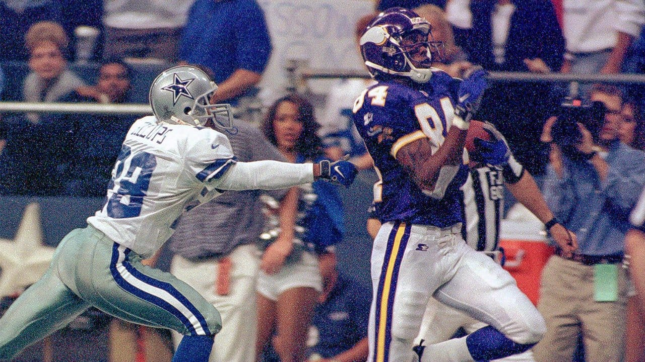 f41422d3 Randy Moss Lights Up The Cowboys On Thanksgiving