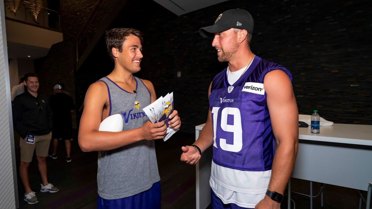 outlet store 04141 9cae1 Vikings & Thielen Surprise Fan with Season Tickets for Make ...