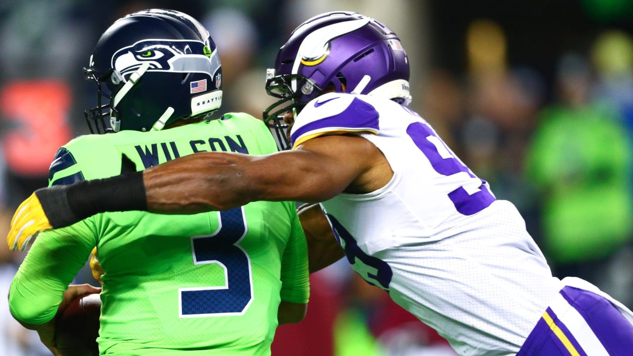 Vikings Defense Frustrated Despite Valiant Performance in Seattle 04fbbd2d4