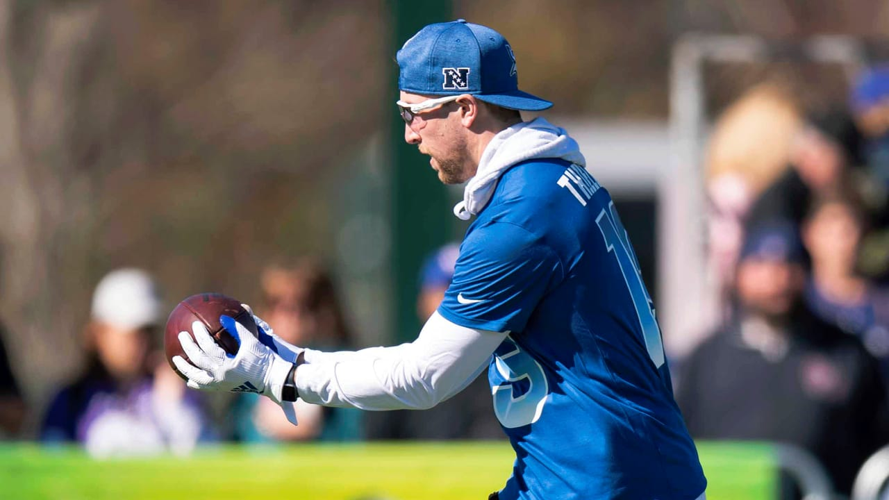 the latest 655e9 159b2 Wired For Sound: Adam Thielen at Pro Bowl Practice