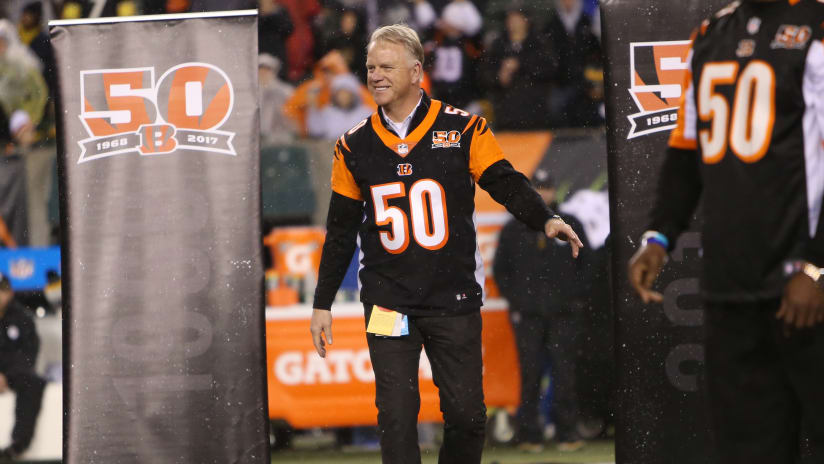 4f9c87cc8f2 Boomer Esiason popped out of the Monday night radio booth last December to  take a bow