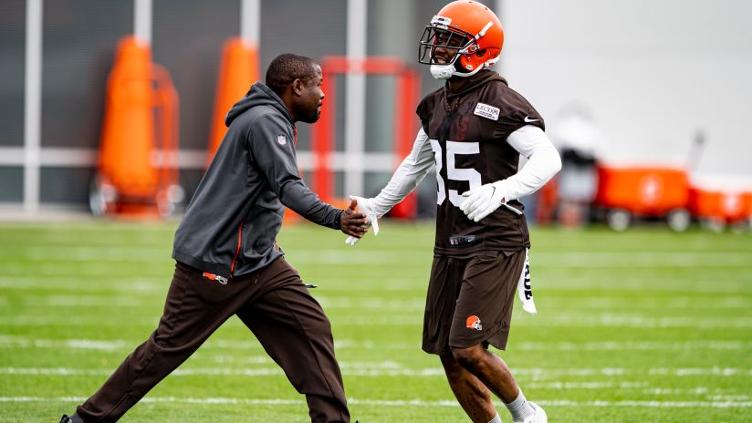 3b007916c Most Important Questions Ahead of Training Camp - No. 4: Does Jermaine  Whitehead end up with the starting safety group?