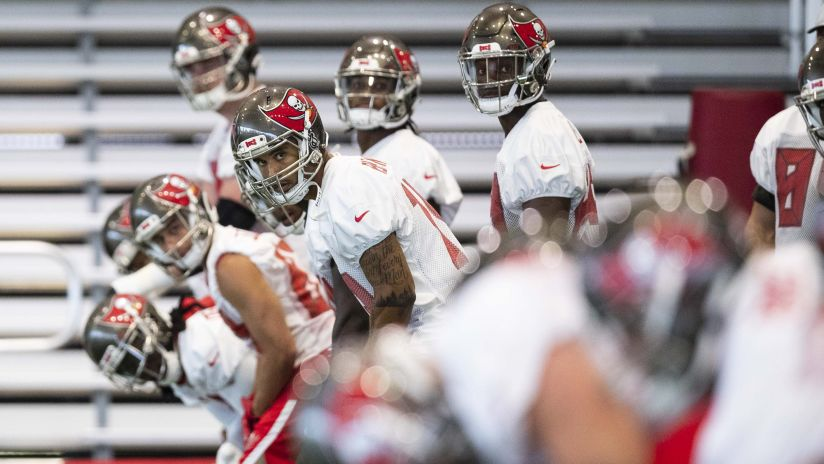 e01a675b53e Best Photos from Bucs OTAs  Day 8