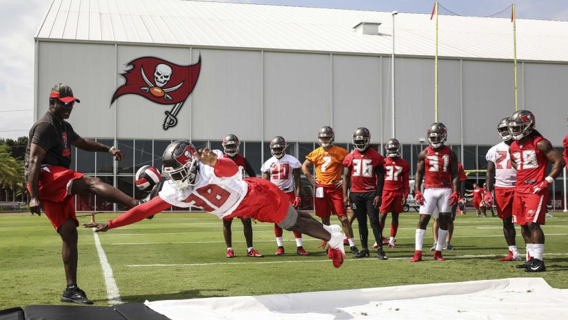 8624f6e3fa9 We've made it through the first week of OTAs and things are starting to  click amongst the team. Though practice kind of favored the defense earlier  in the ...