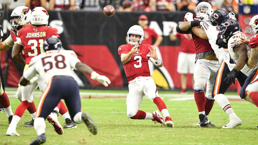 d51b647a7 Quarterback Josh Rosen slings a pass to running back David Johnson during  Sunday's 16-14. Photo by Arizona Cardinals