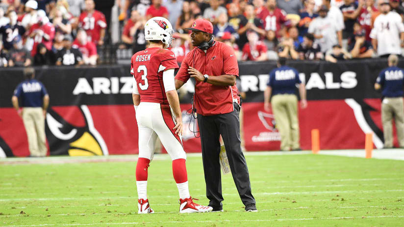 d67adfb40 Quarterbacks coach Byron Leftwich talks with Josh Rosen prior to a play  Sunday against the Bears. Photo by Arizona Cardinals