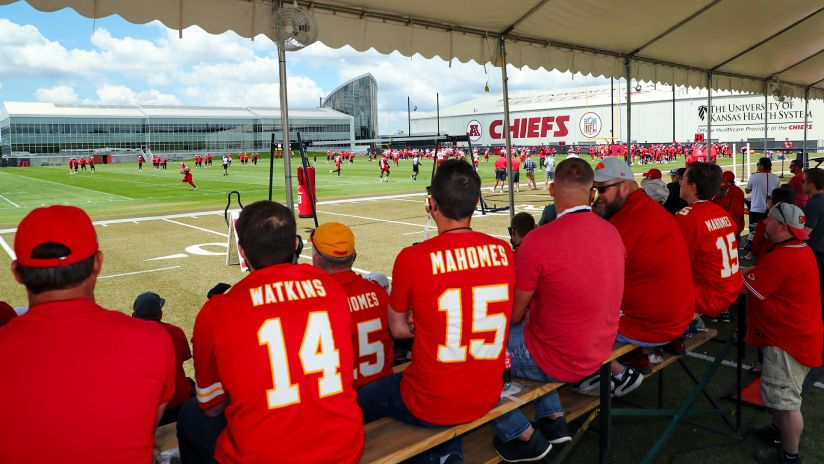a22e85c7fc8 Season Ticket Members Make Exclusive Visit to Practice for First Look