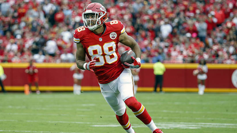 huge discount 33005 aa1de Colts Claim Former Chiefs Tight End Ross Travis